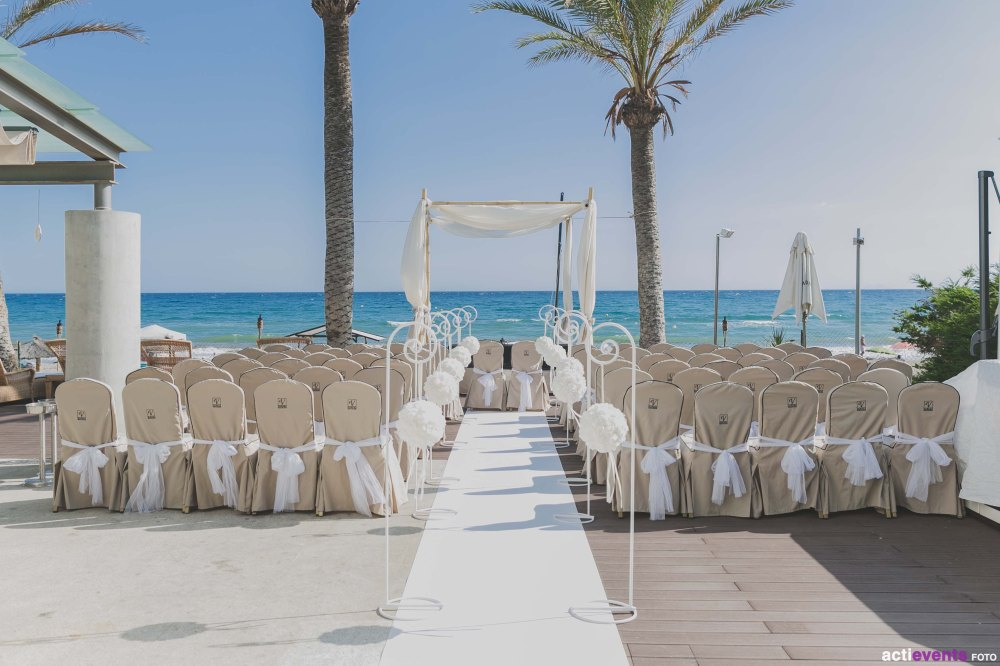 marbella-beach-wedding-ceremony