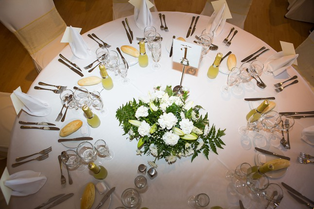 sunset-beach-wedding-table